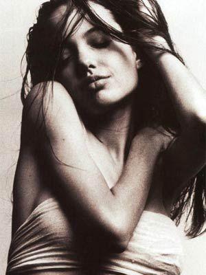 Angelina Jolie - 32